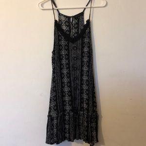 Cute strappy summer dress black/white